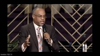 """Why is Praising God Important?"" Pastor John K. Jenkins Sr. (Powerful Word)"