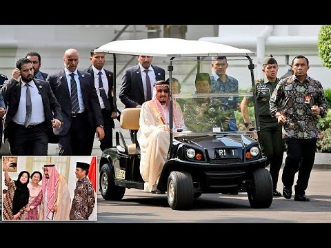 Saudi King is given a golf buggy tour of Indonesian palace