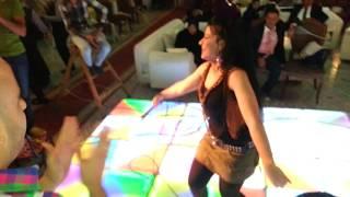 فيديو الراقصة شهد فى فرح فى المنصورة تخلع ملابسها شاهد قبل الحزف