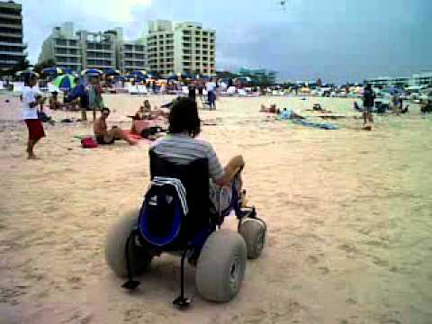 Silla mecanica para playa youtube for Sillas para la playa