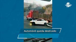 Captan en video a tráiler arrastrando auto en la autopista México-Querétaro