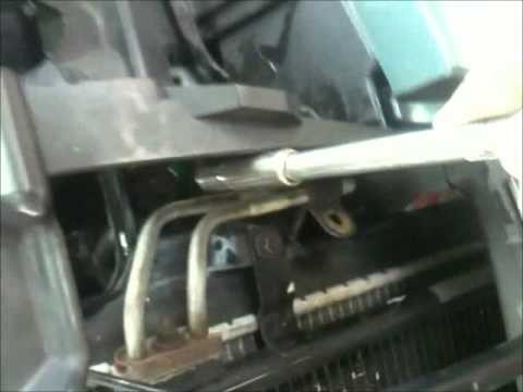 Jeep Grand Cherokee 4 7 Radiator Removal Youtube