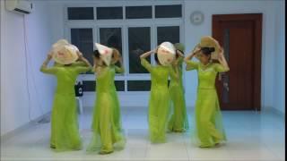 [Parawell Vietnam] Múa nón lá - Bức họa đồng quê