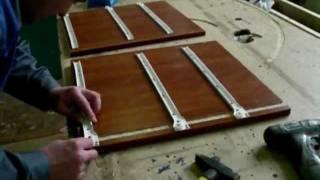 Монтаж роликовых направляющих.(Крепление мебельных роликовых направляющих для выдвижных ящиков., 2012-01-12T10:13:35.000Z)