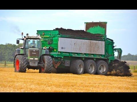 Spreading Compost - FENDT 930 + Tebbe HS240 Tridem
