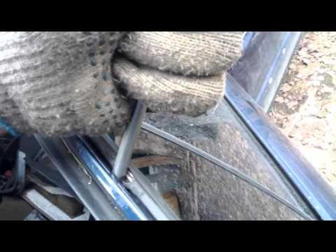 Как снять треугольник (форточку) задней двери, BMW E34