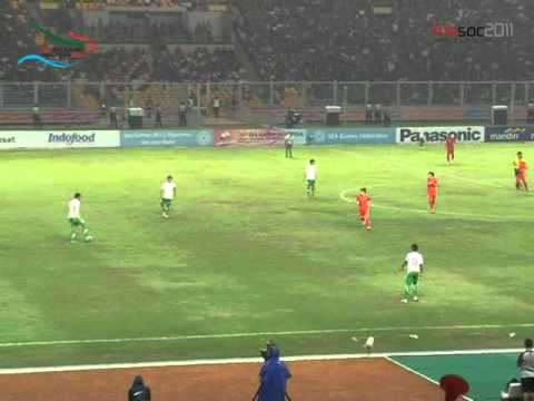 Sepak Bola Indonesia VS Vietnam Babak Semifinal 19/11/2011 ...