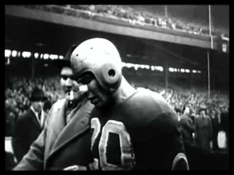 Silent video of the Green Bay Packers vs. Boston Redskins in 1936. Packers HoF QB Arnie Herber throwing passes to the legendary Don Hutson