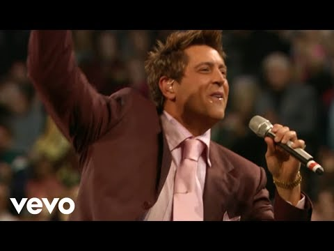 Ernie Haase & Signature Sound - Glory To God In The Highest (Live)