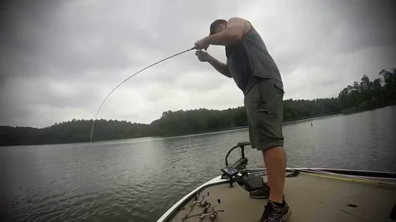 Bass fishing in august on lay lake youtube for Lay lake fishing report