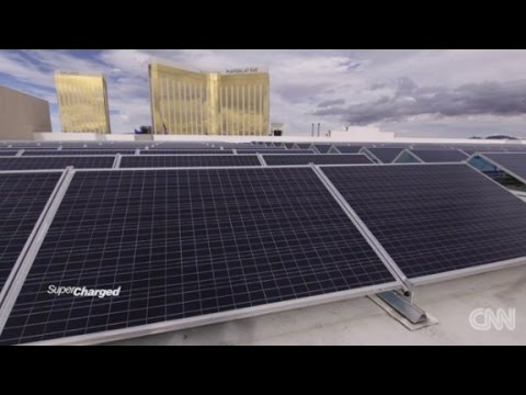 Vegas hotel bets on solar power