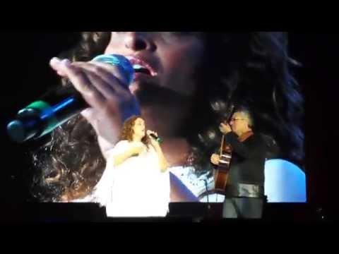 """Noa canta """"Uri""""(Akara) invitada por Joaquin Sabina. Auditorio Nacional Mexico DF Mayo 2, 2015"""