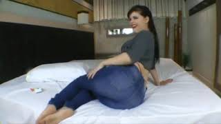 Sexy girl farts