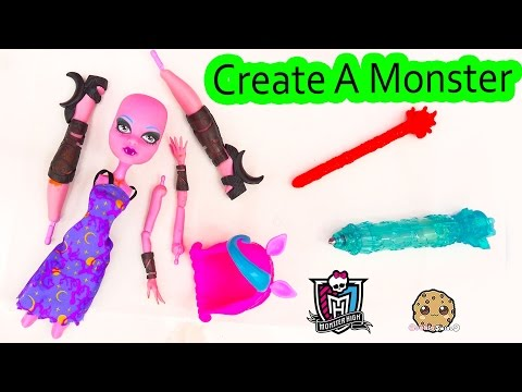 Create A Monster Doll CAM Pack Playset Water Color Change Color Me Creepy Werewolf Set
