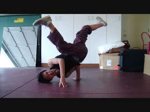 Breakdance How To: Baby Freeze Tutorial/Guide - YouTube
