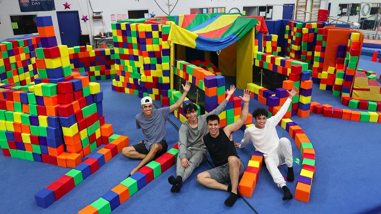 Super fun giant foam pit house youtube for Foam blocks for building houses