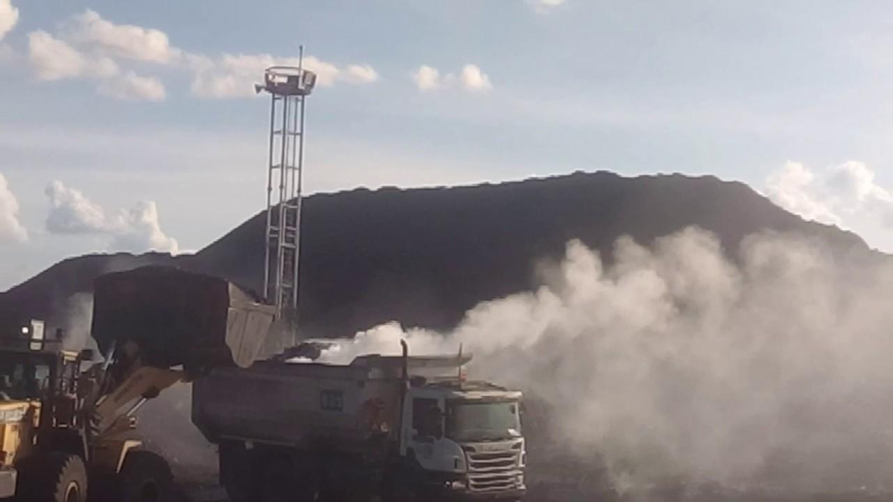 Gunung batubara,,, berasap