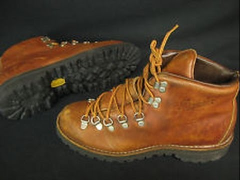 Waxing a pair of leather hiking boots - Part 2 - application of wax -  YouTube 93b1e42d5683
