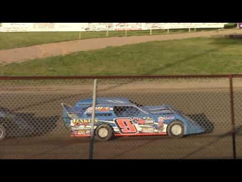 May 26, 2016 Grand Rapids Speedway WISSOTA Super Stocks Heat #2