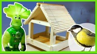 Фиксики делают кормушку для птиц. Fixiki make a bird-feeder.