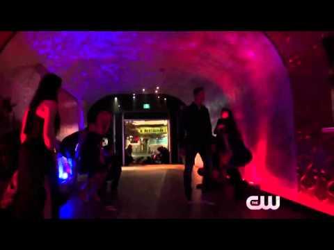 the-flash-season-2-episode-16-(trajectory)