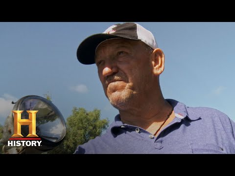 Swamp People: Troy's Got a Heavy Duty Alligator on the Line (Season 10) | History