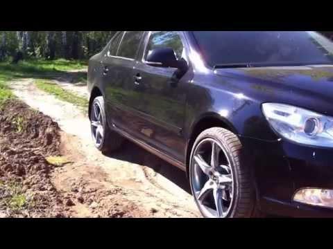 видео: Шкода Октавия А5 вывешивание заднего колеса
