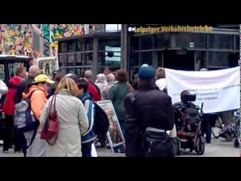 Demo des Behindertenverbandes Leipzig:  Barrierefrei zum Hauptbahnhof, 11.09.2013