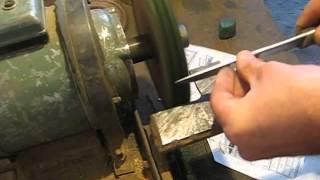 Как легко и просто заточить нож на наждаке(Очень легкий способ заточки ножа на наждаке ,своими руками в домашних условиях Приятного просмотра! -------------..., 2013-10-28T17:00:03.000Z)