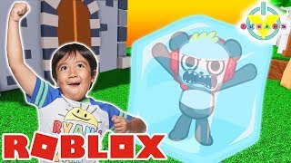 RYAN GOT FROZEN IN FREEZE TAG ROBLOX ! Let's Play Roblox with Combo Panda