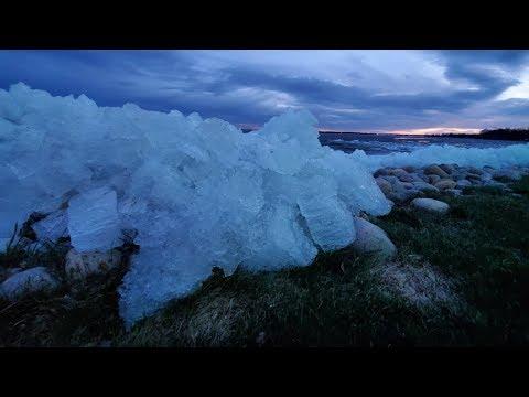 MASSIVE Ice Sheet Pushing Up On Shoreline