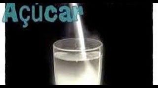 Repeat youtube video Simpatia do Copo de água com açúcar para adoçar um amor.