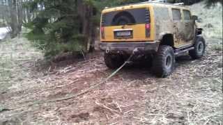 Repeat youtube video Hummer H2 vs. Mercedes Unimog (unstuck)