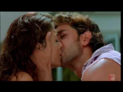 Aishwarya rai and hrithik roshan classic kiss in dhoom-2