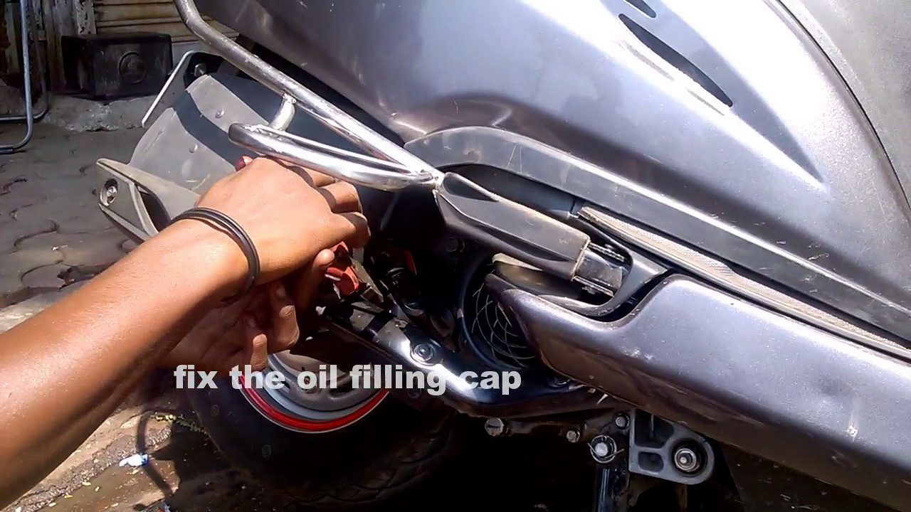 gearless kick changing  honda activa engine oil  gear oil youtube