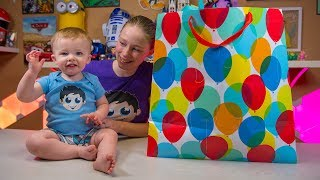 HUGE Baby Toy Happy Birthday Present for Isaac Surprise Blind Bags Toys for Babies Kinder Playtime