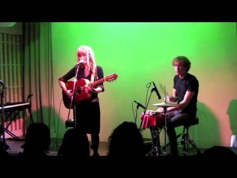 Hannah Howes- 'Strings Attached' - Tokyo Unplugged