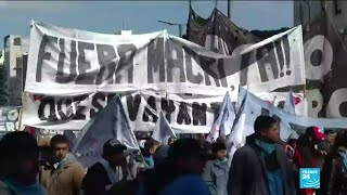 Hundreds of Argentinians take to the street to call for economic relief