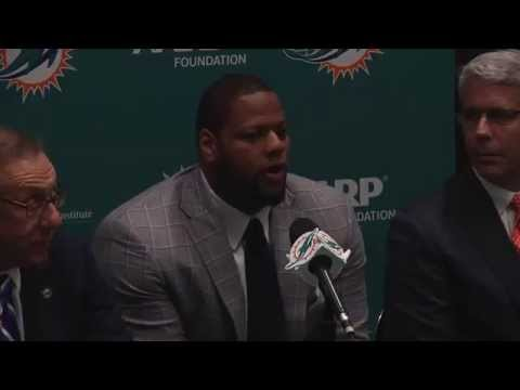 Miami Dolphins welcome Ndamukong Suh