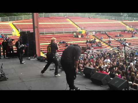 Stray From the Path- Negative and Violent (Live) FestEVIL 9/29/12