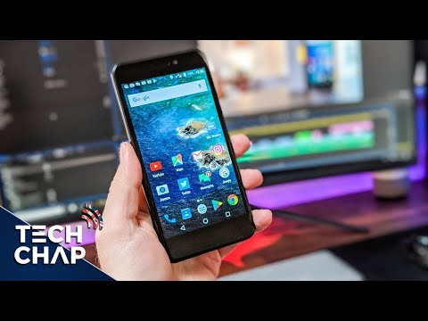 The EE Hawk Review - A £150 Budget Phone! (UK Only) | The Tech Chap
