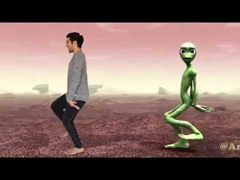 Tomato Cosita Alien Dance
