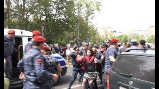 Լարված իրավիճակ Մաշտոցի պողոտայում․ ակտիվիստներին բերման են ենթարկում