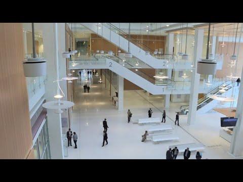 Palais: premières audiences au nouveau palais de justice