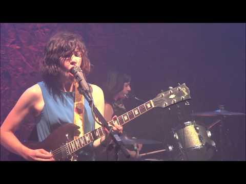 Sleater-Kinney -  Modern Girl [LIVE]