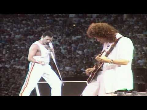 Queen - I Want To Break Free (Live At Wembley)