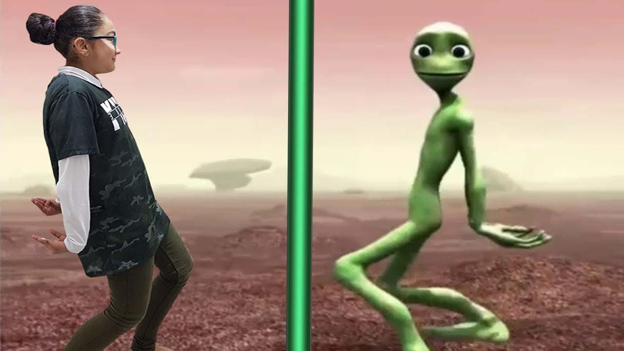 Yesil Uzayli Dansi Suheylanin Komik Anlari Youtube