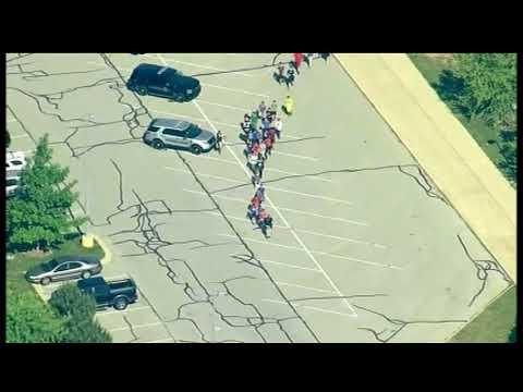又有校园枪击!印第安纳一中学爆枪响 至少2人受伤入院