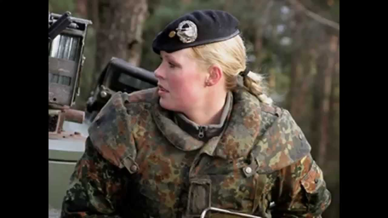 Escandalo HOT, Mujeres soldado de