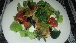 теплый салат с отварной свининой